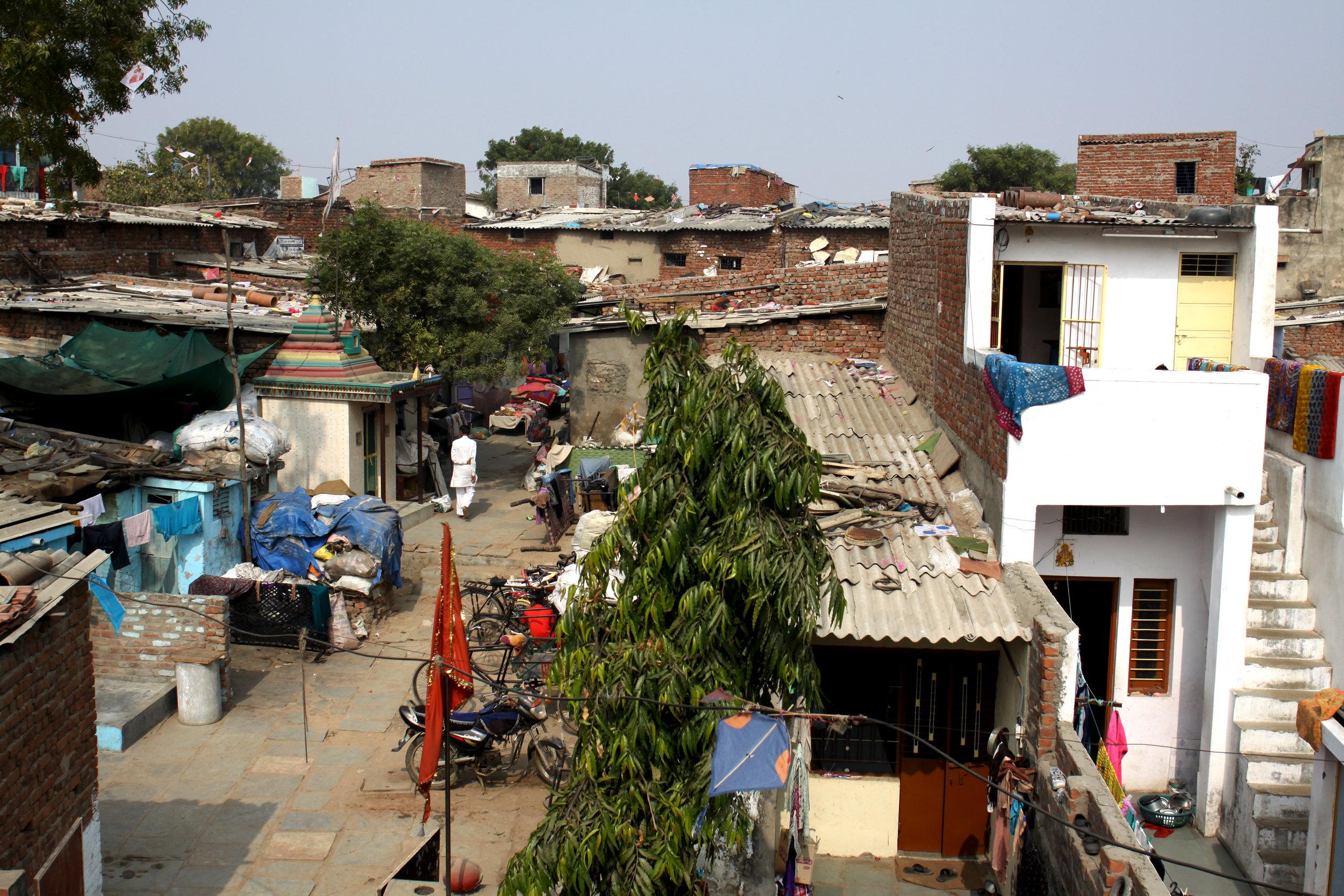 Ahmedabad_Slum_03.jpg