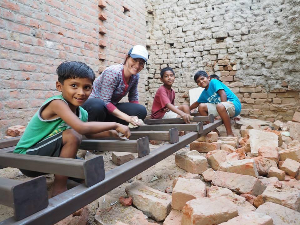 02_Bholu 13 Volunteers_construction.jpg