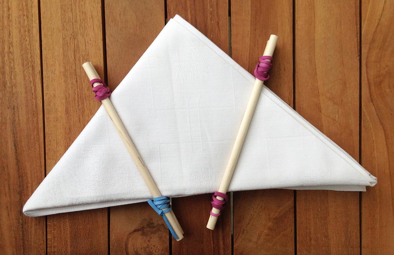 Dreieck-Faltung mit fixierten Holzstäben