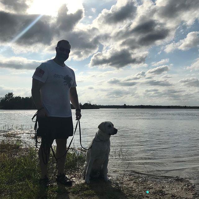 Loving this shot of my two favorite guys! 😍 Lake day with @7hendrix and 💙Gunnar Bear💙  #labsofinstagram #gruntstyle #waterdog #orijenpuppy #huntemup #fetchituppup