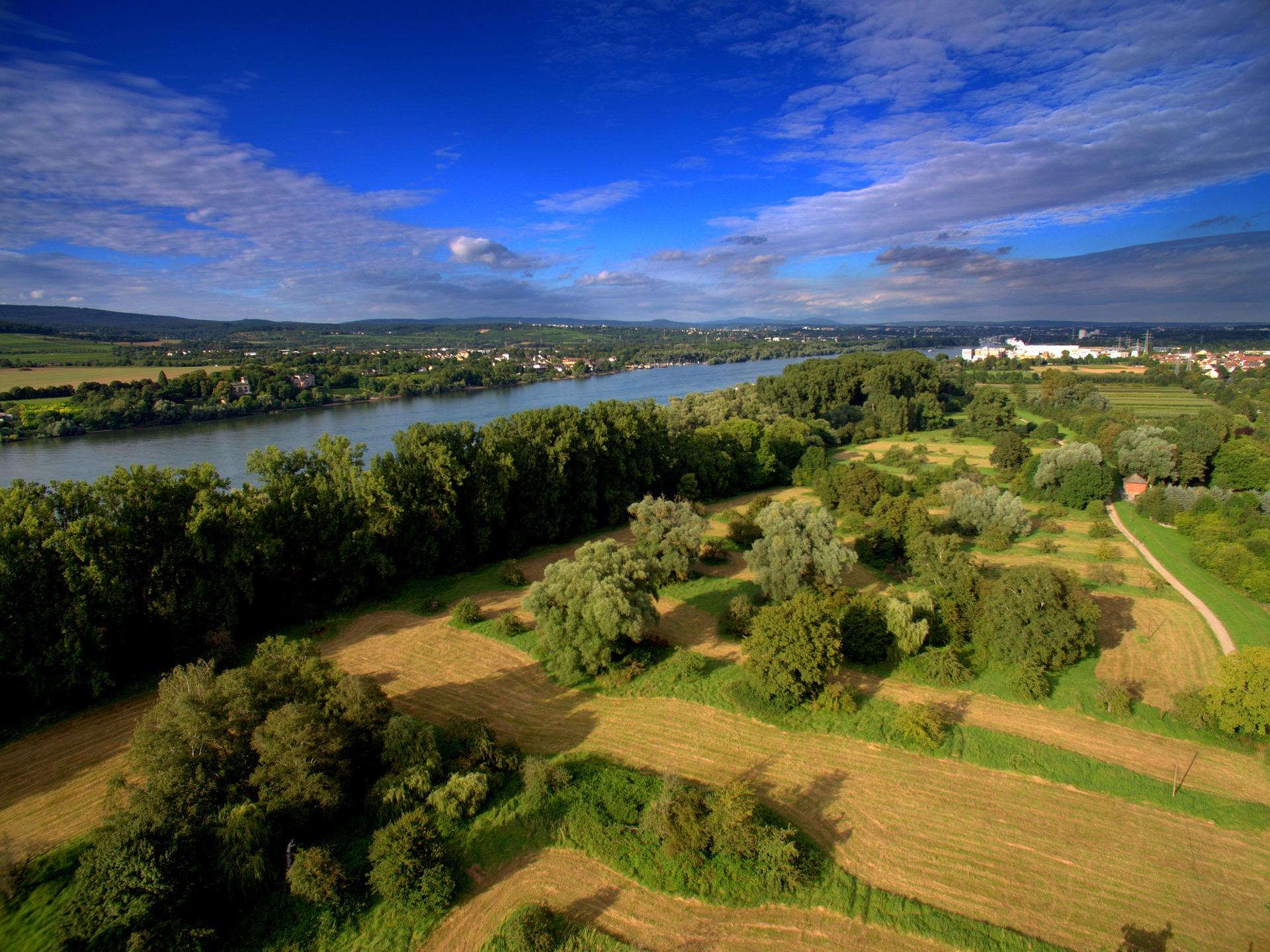 aerial-view-1612924_1920.jpg