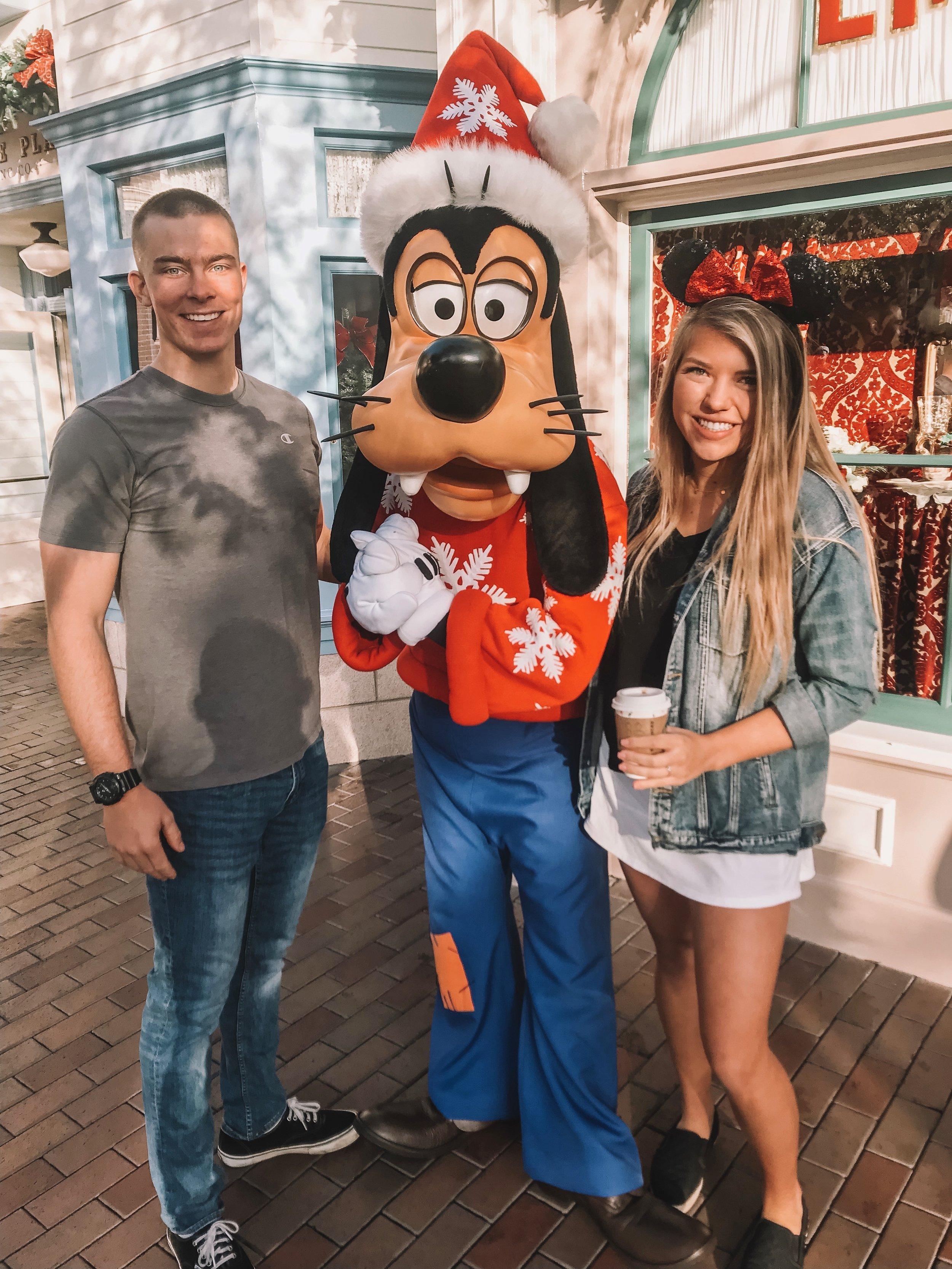 Meeting Goofy Disneyland.jpg
