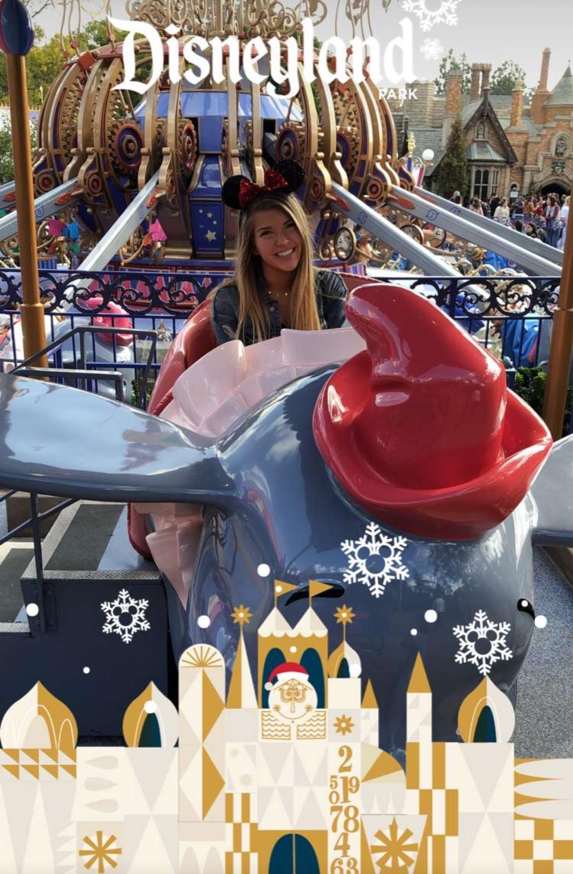 Dumbo Disneyland.jpg