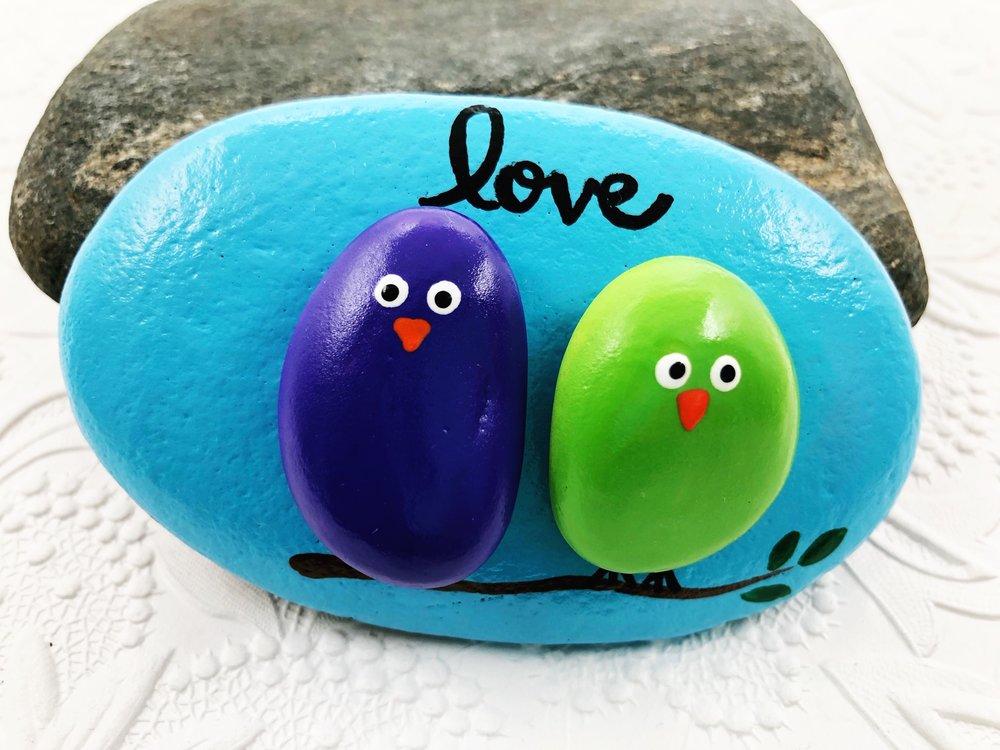 painted rock of #LoveBirds #TogetherForever #TwoTogether #LovingBirds