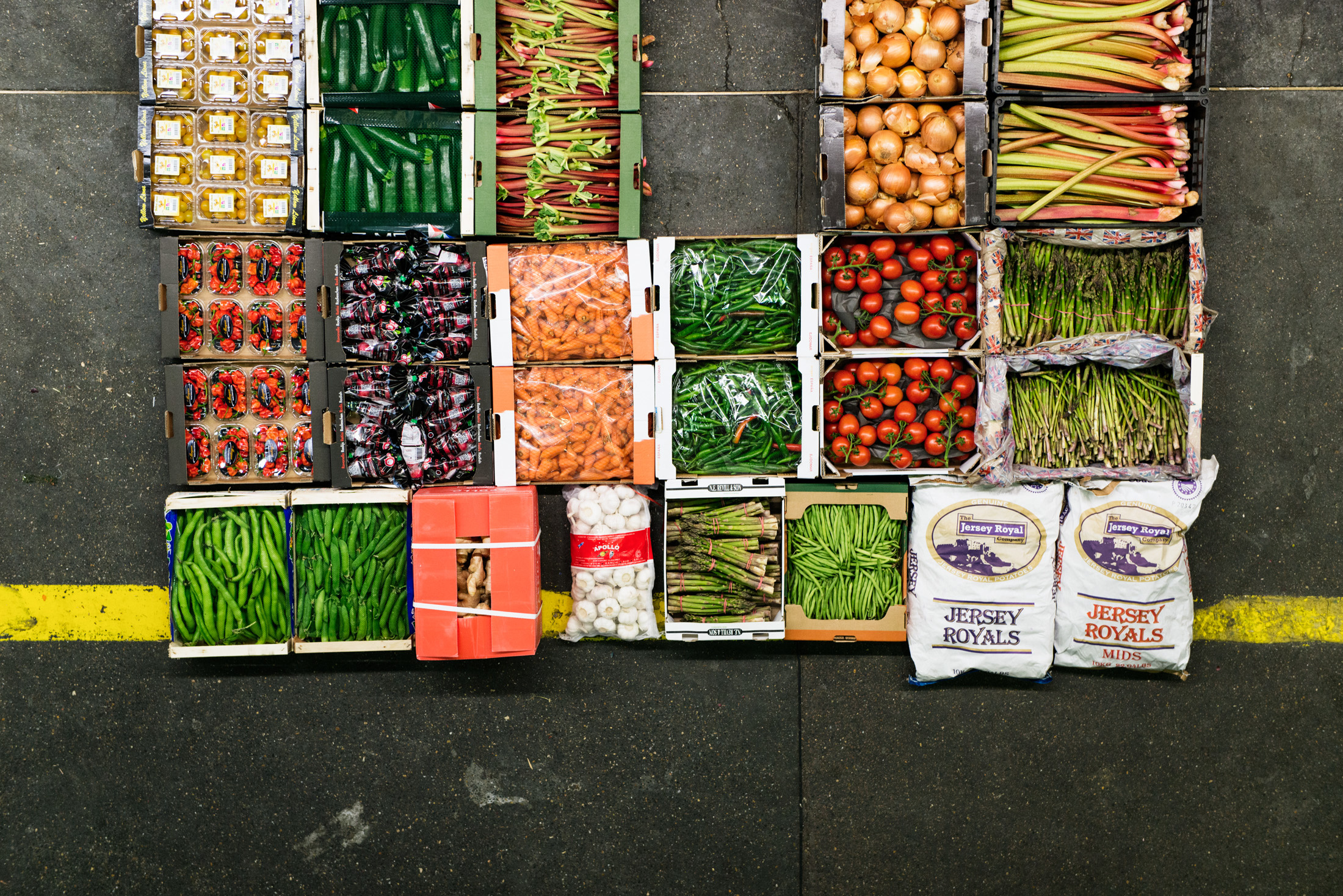 Photographs shot over one night shift at New Covent Garden Market. Commissioned by  A + B Studio