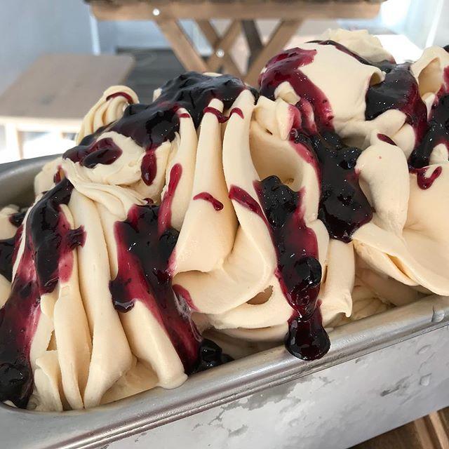 Lightly caramelised gelato with blueberry swirl - we call it blueberry muffin! @gelato101_vegan_artisan #allvegan #vegangelato #perthvegan #yummo #dairyfree #lactosefree #cottesloevegan #cottesloevillage #awesome #wonderful #putasmileonmyface #flavoursome
