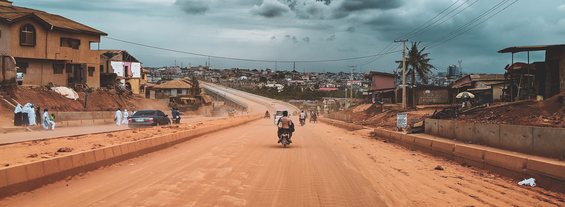Nigerian road. Source: Joshua Oluwagbemiga via Unsplash