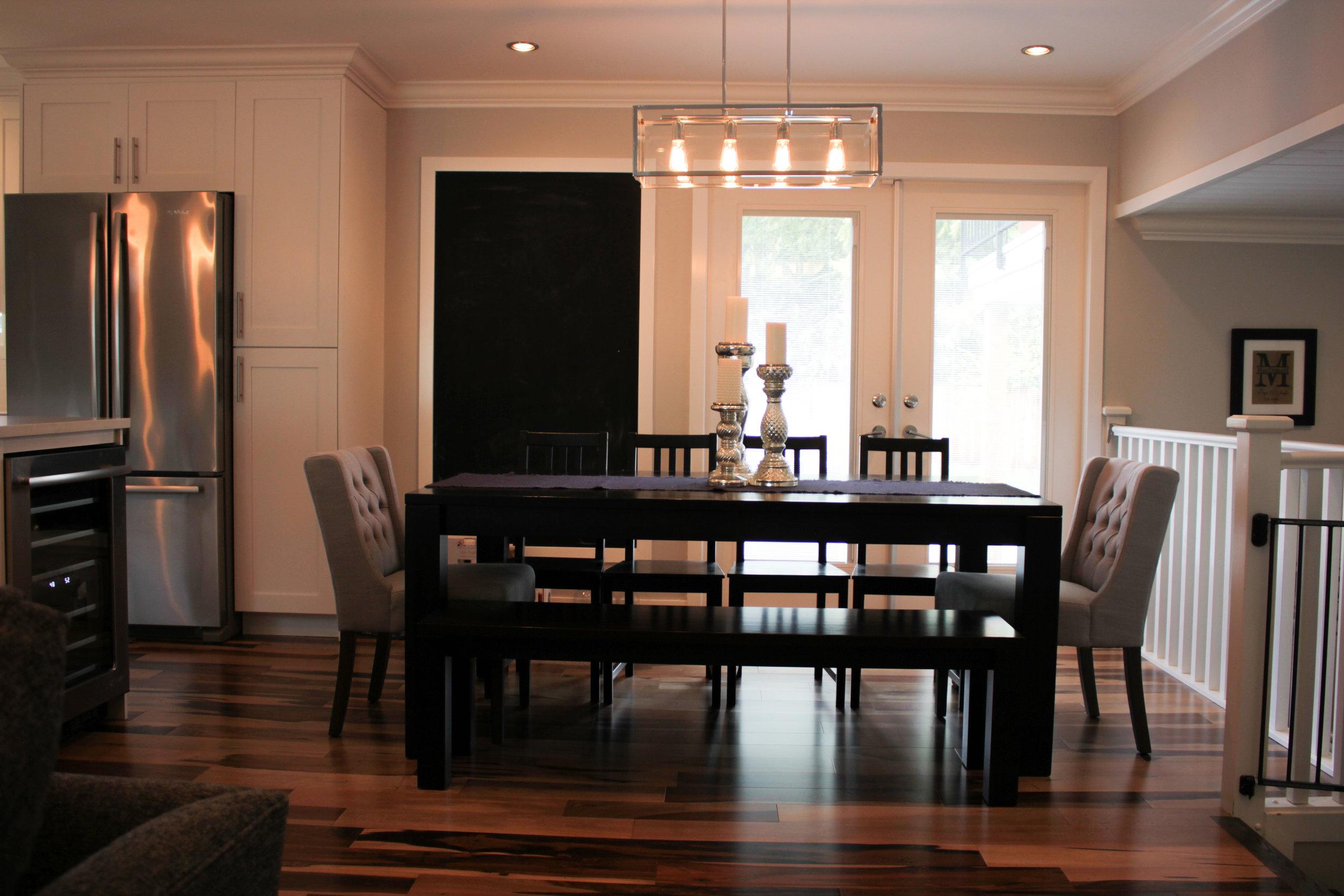 Kitchen_Table_2.JPG