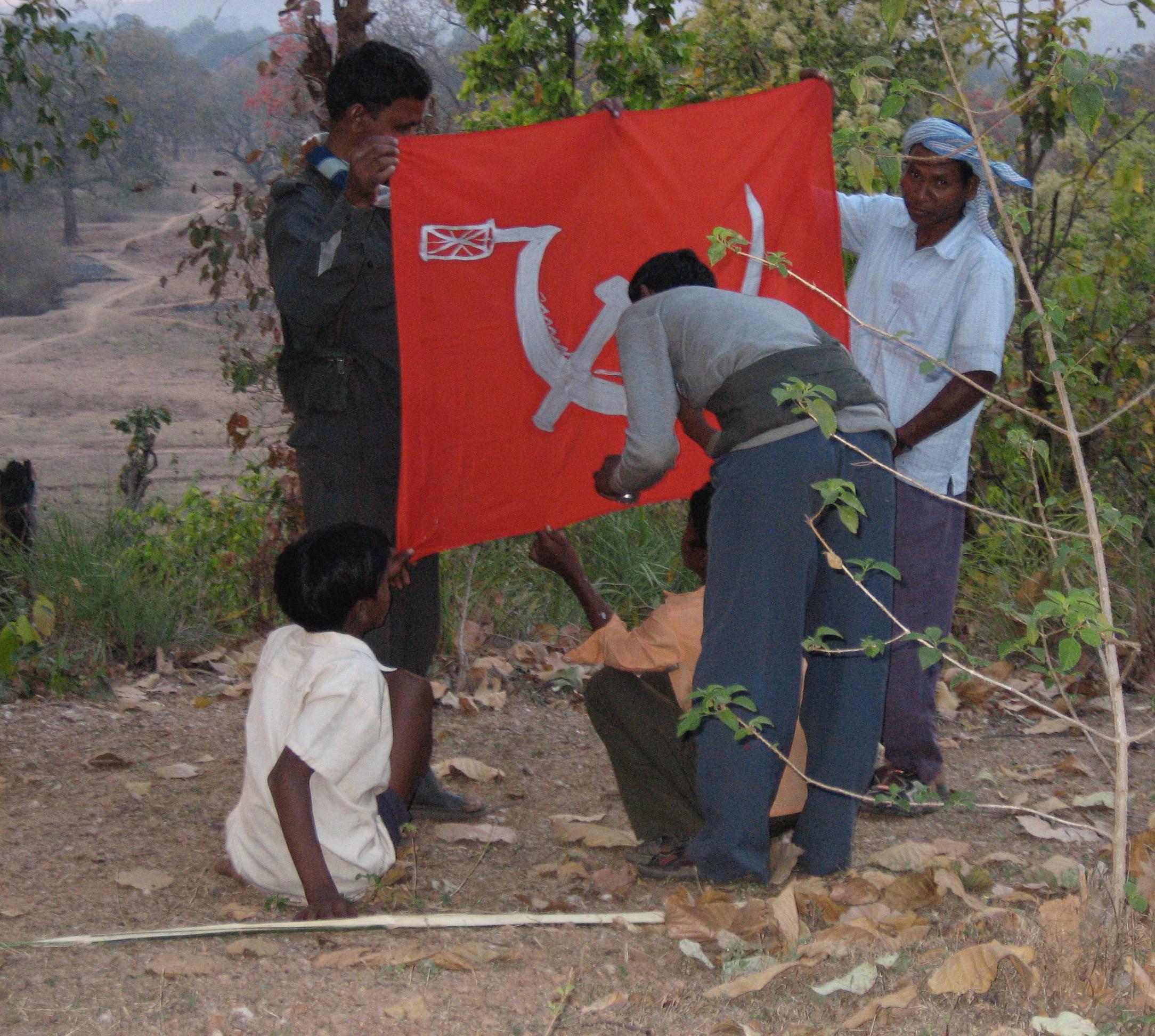 Z5 Painting the Maoist flag.jpg