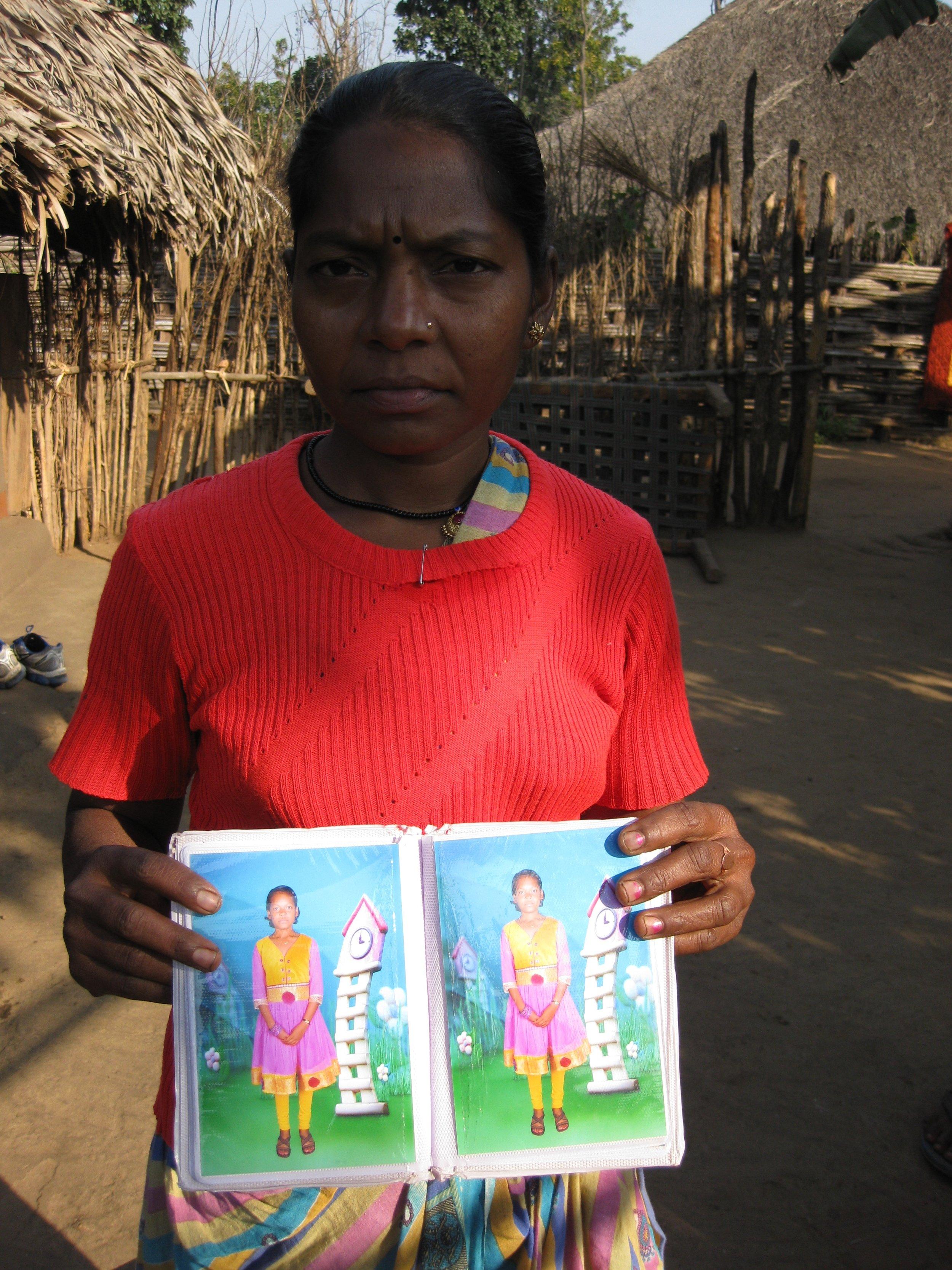 Z12cAdivasi woman from Chhattisgarh living in a displaced village In Telengana.jpg
