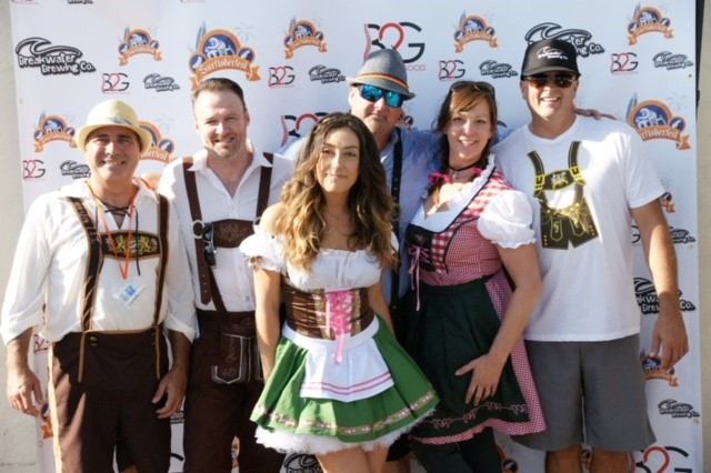 Surftoberfest 2017 Team Photo.jpg