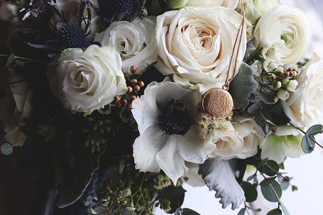 Happiness blooms from within... . . . . . #beautifulblooms #flowershops #michiganflorist #beautifulflorals #floralstyling #floralwedding #blooming_petals #sayitwithflowers #lovemyflowers #flowerlady