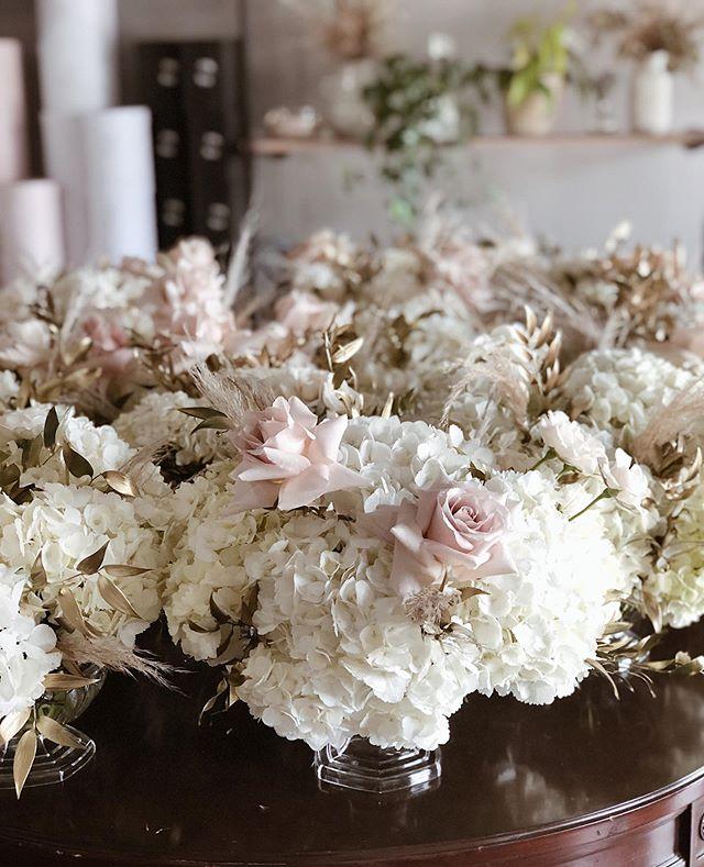 Having blast working on tomorrow's wedding flowers 👰🤵🌸 #michiganweddingflorist #michiganflowers #michiganweddings #goldentones #detroitweddings #detroitflorist #detroitweddingflorist
