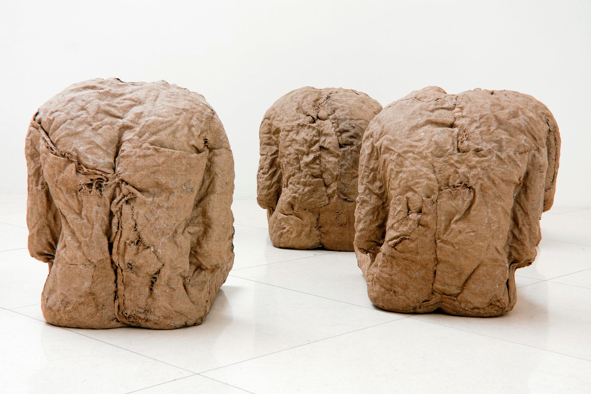Abakanowicz_Galerie_Zavodny.jpg