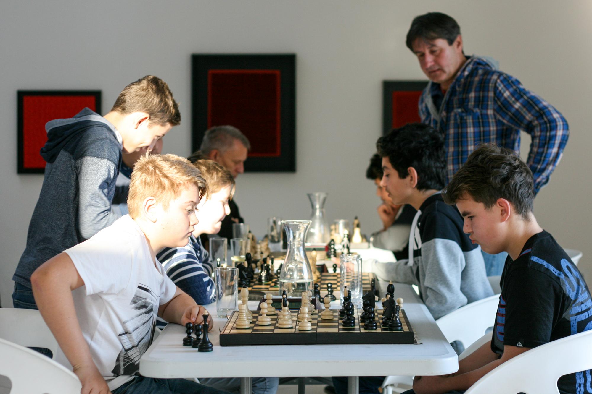 šachy_galerie_závodný.jpg