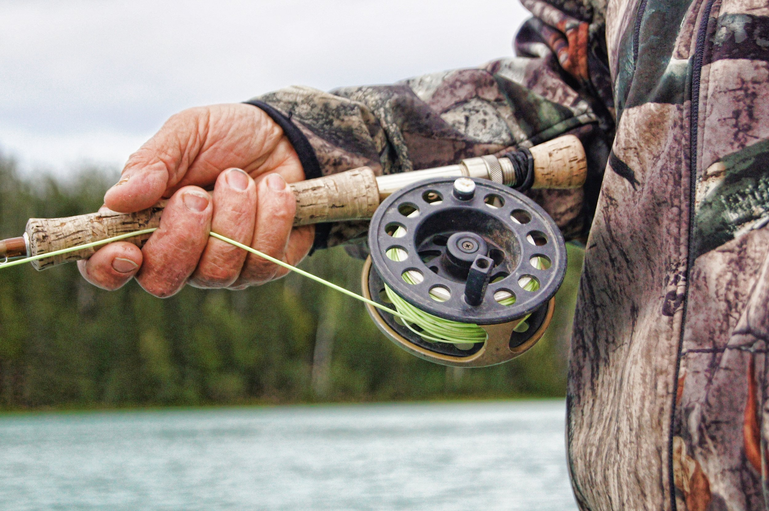 Joe Cantrell Outfitting - Joe Cantrell and his wife Suellen have been operating a full time fishing operation on the Clark Fork River since 1995. The have a modern lodge on the Clark Fork with special room rates for fisherman staying with them.