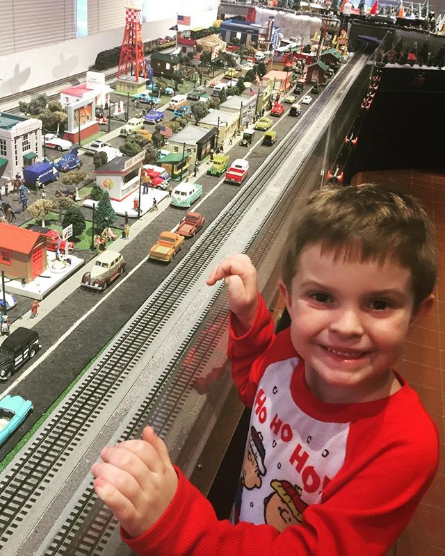 Then we ended our day with some more trains! This place was awesome and Jack was in heaven!! behringer-crawford museum at Devou Park! #trains #boysandtoys #jack #son #behringercrawfordmuseum #devoupark #covington #kentucky bcmuseum