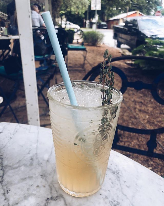 Recently I've been feeling very grateful for the adventures I've had the ability to go on. This beautiful rosemary cocktail was enjoyed by me during a weekend trip to Austin celebrating mi novio's birthday 🥳 . . . How lucky are @emilesburgh and I that we get to travel to a new city to celebrate a birthday? Grateful ⭐️ Blessed. . . . #austin #atx #blogger #rosemary #cocktail #adventure #travelblogger #birthday