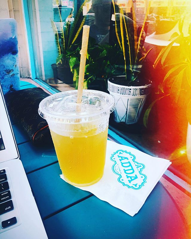 🍋 Time for @addacoffeehouse ✨ . . . #coffeehouse #sundayfunday #catchup #lifecoach #shadyside #citrusgreentea 🍊