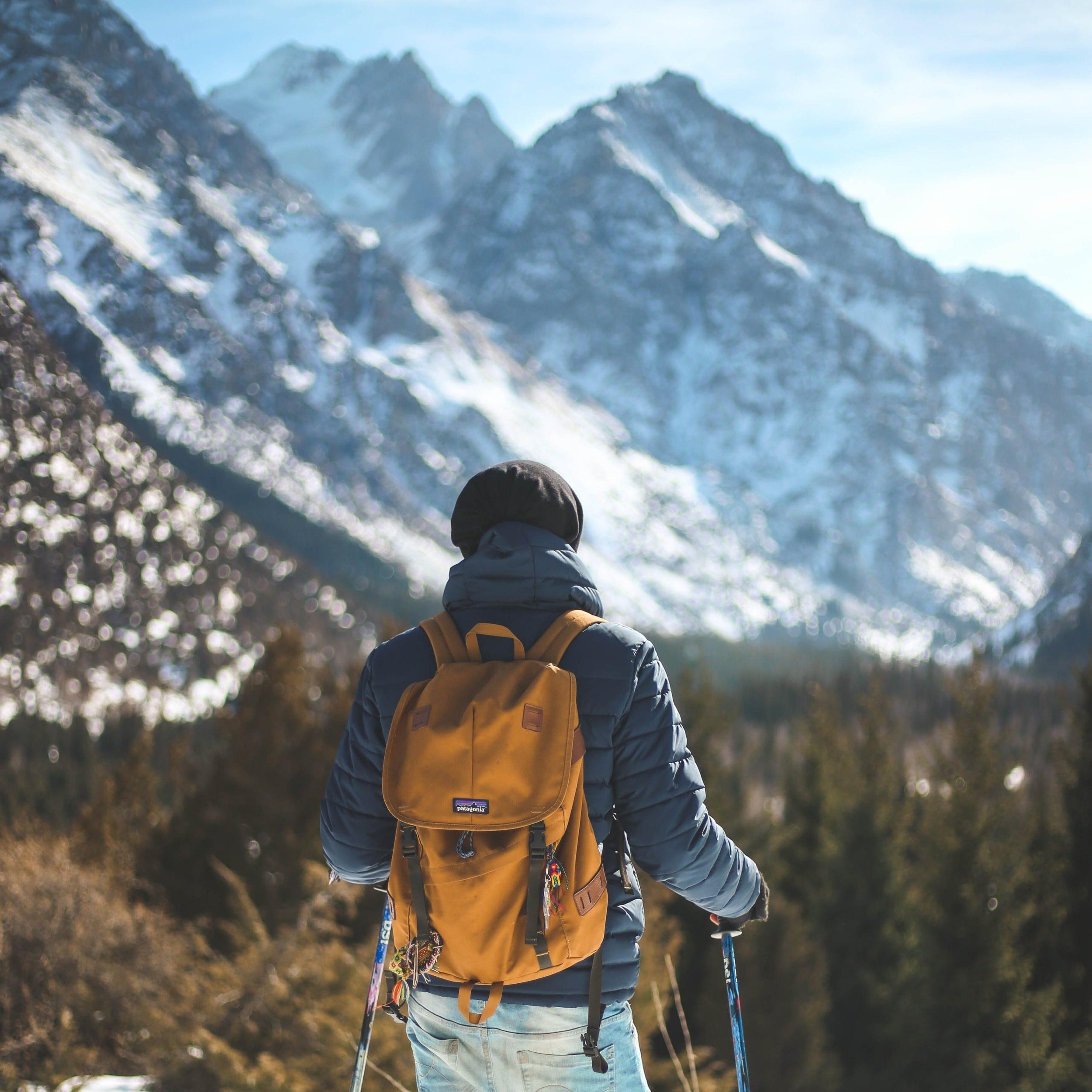 backpack-climber-cold-868096.jpg