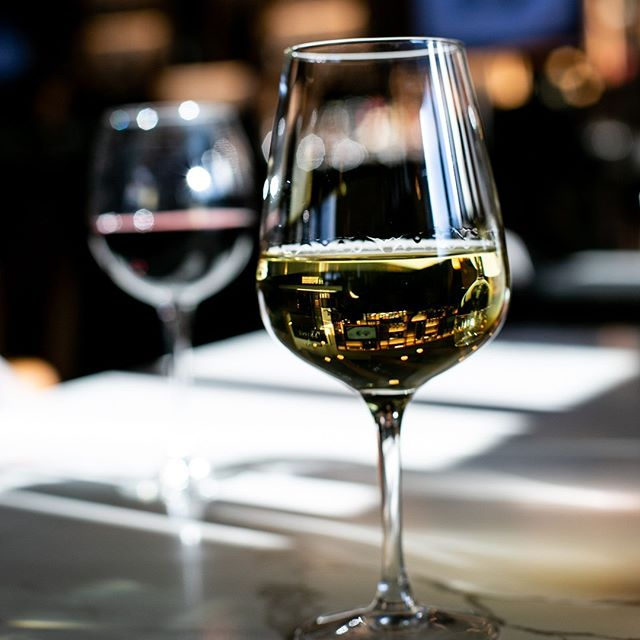 Not ready to say so long to the weekend? Don't worry our happy hour is 3-6pm, which means great prices on glasses of wine. Don't mind if we do! 🍷🍷 - - - #explorefortmac #bar #wine #drinks #restaurant #cocktails #steakhouse #fortmcmurray #fortmcmurrayhotel #primeeats #primesocialkitchen #ymmeats #ymmevents #datenight #winetime #finedining #dressup #goodtimes