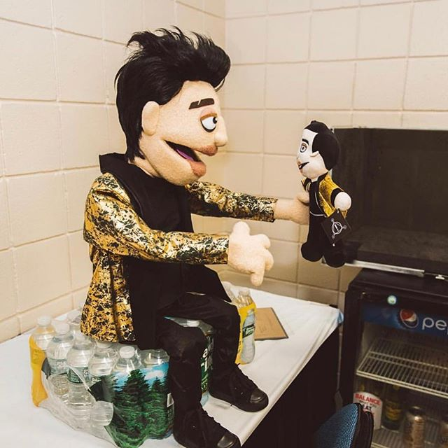 The Amazing Beebo dolls are now available at the merch stand on tour! They are $20! 📸: 🗑 (According to @theamazingbeebo, 🗑 is @jakechams) #brendonurie #panicatthedisco