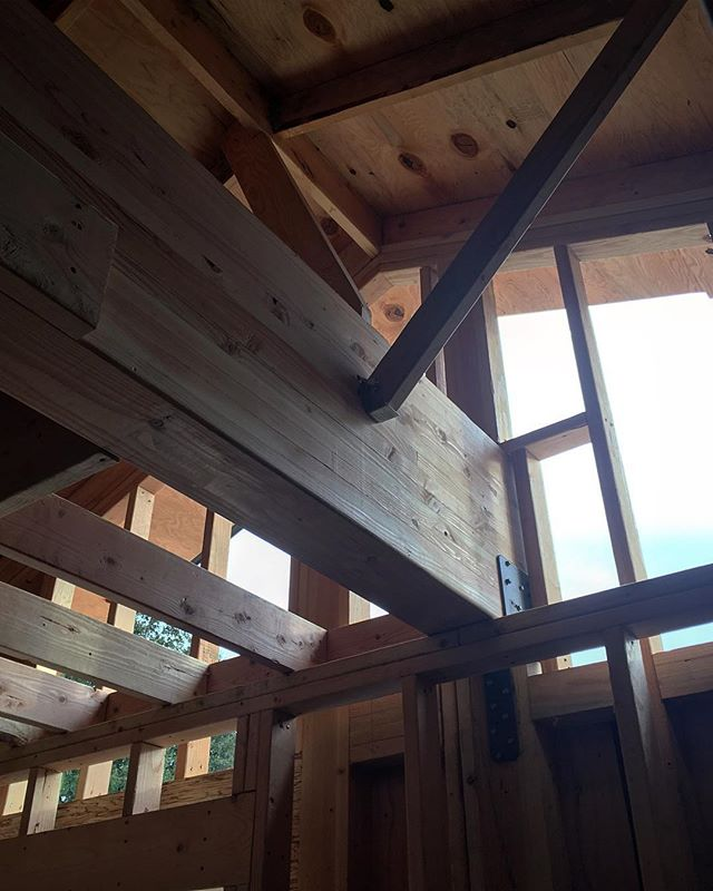 Voilà! Heavy lifting is complete and framing is nearly finished.  #remodel #construction #homeconstruction #framing #residentialconstruction #expansion #newaddition #inprogress #trayceiling #supportbeam