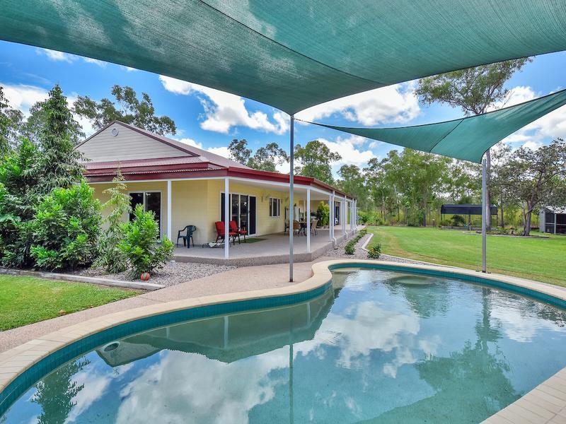 AA Wheewall Rd pool and house.jpg