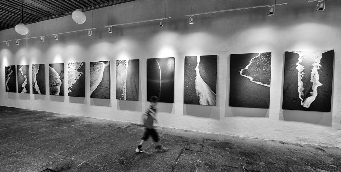 Our Mexico City gallery space is located in a XVII century townhouse in the historical center.