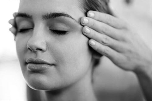 The-Vital-Touch-Indian-Head-Massage-Thumbnail.jpg