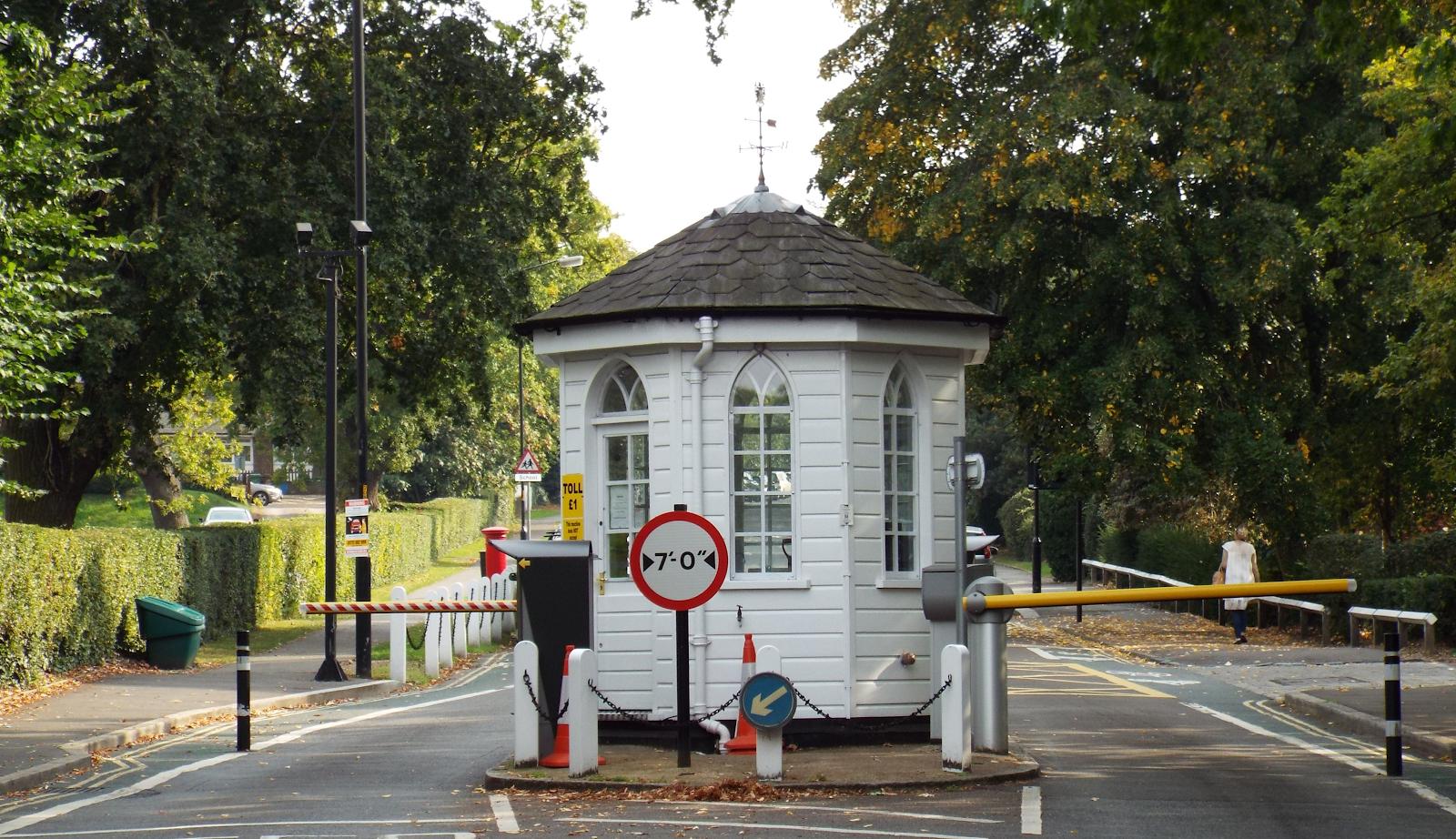 Toll Gate, College Road London SE21
