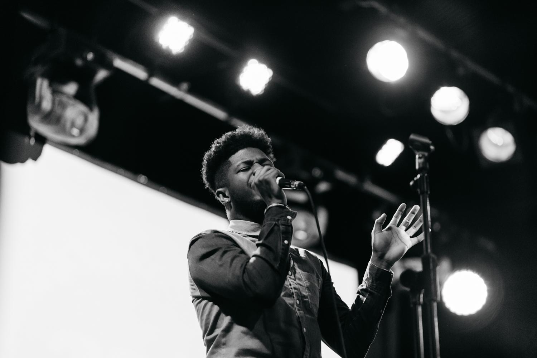 ROE's backing singer (2).jpg