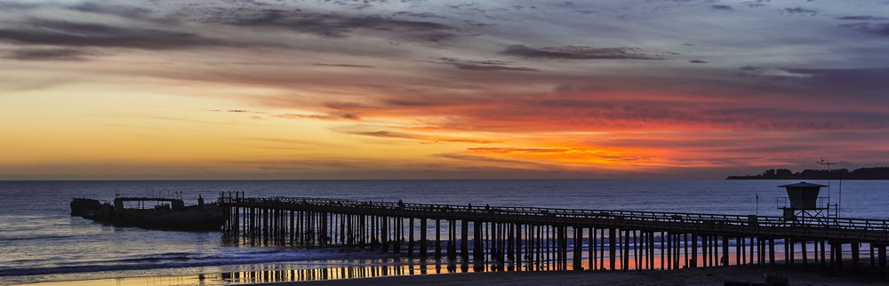 Apros+Sunset+at+the+Pier.jpg