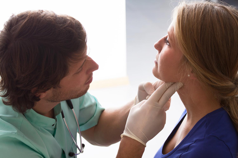 Médico-e-paciente.jpg
