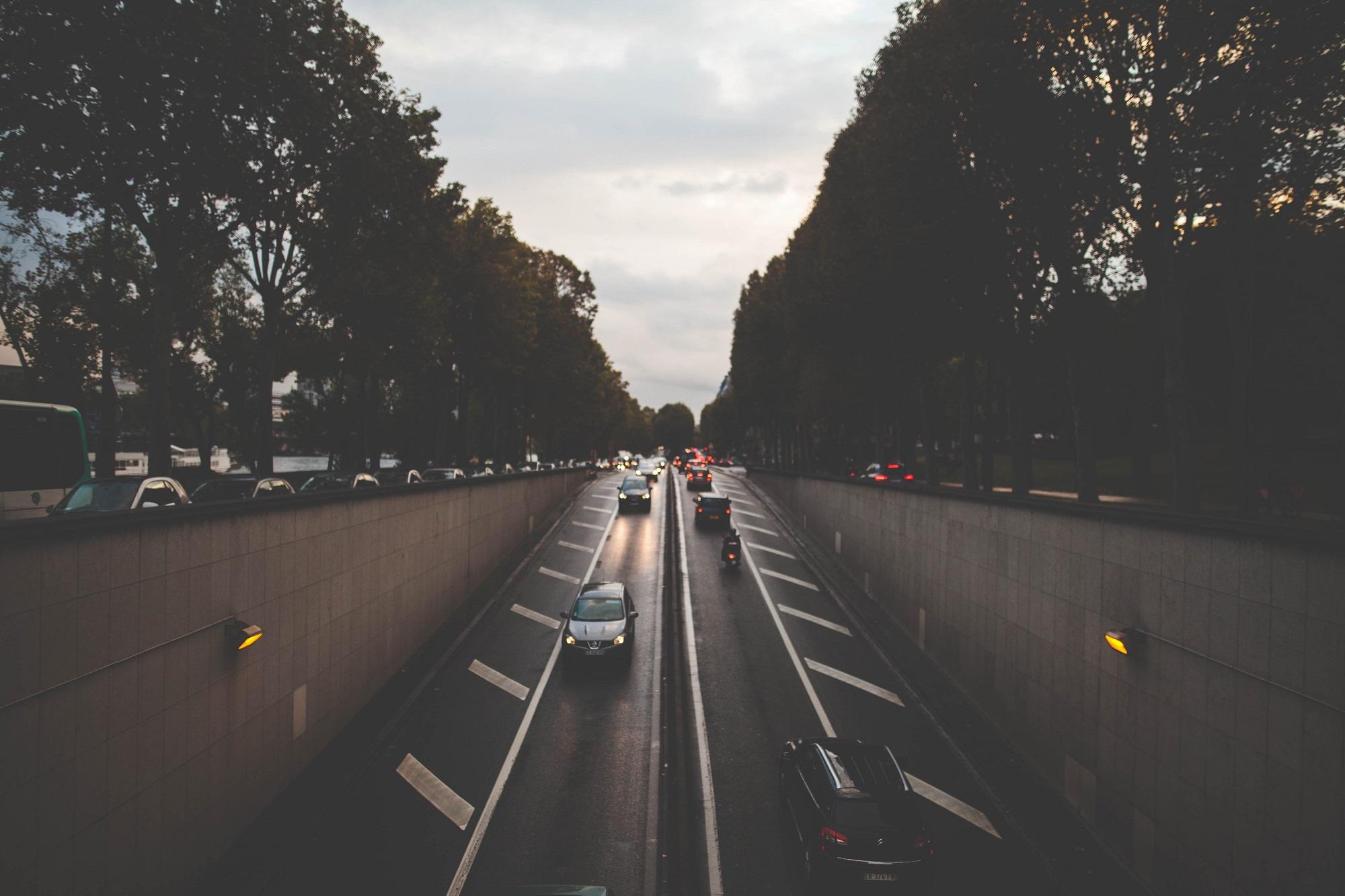 Carros-no-tunel.jpg
