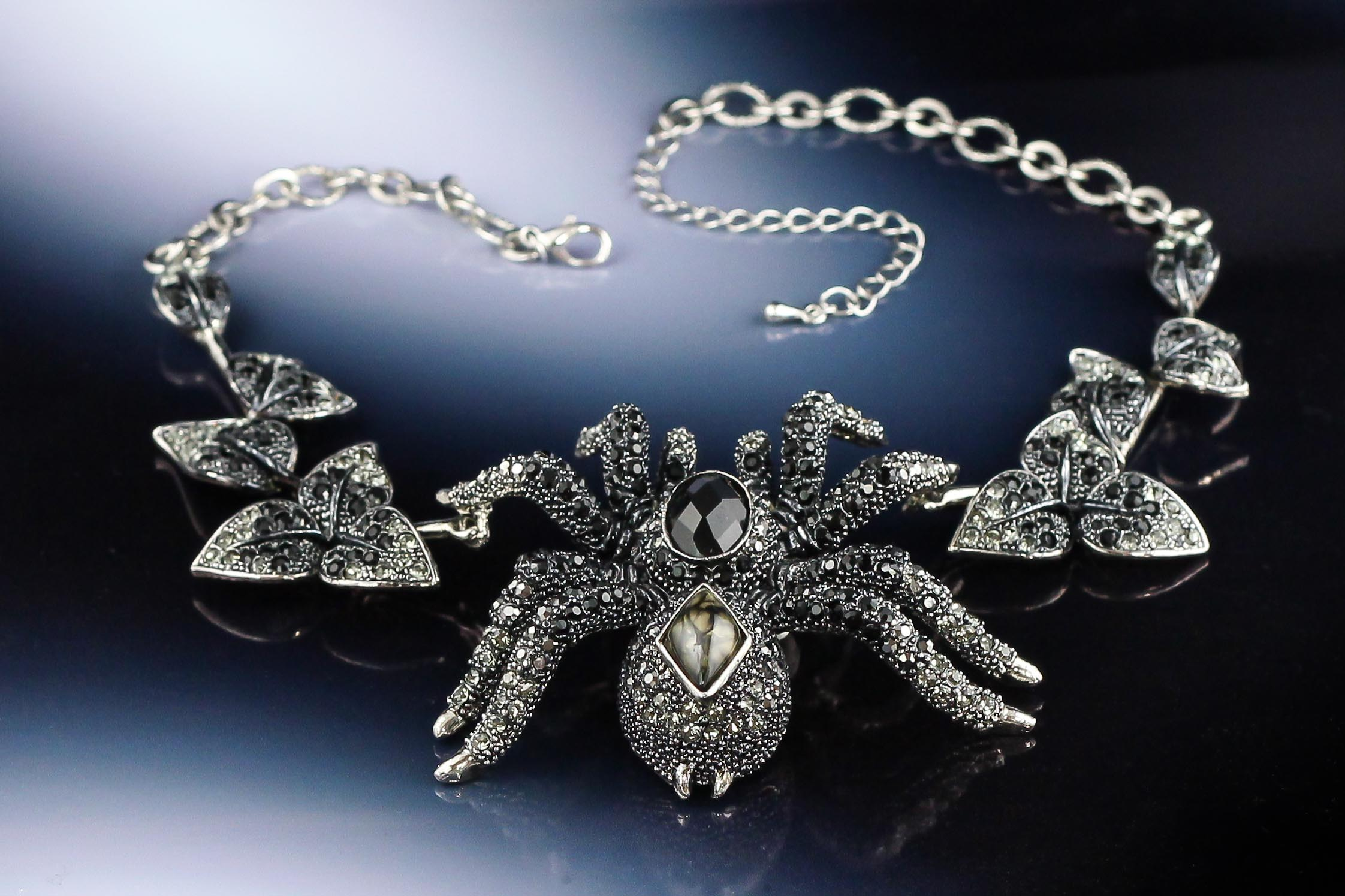 Crystal-spider-gothic-necklace.jpg