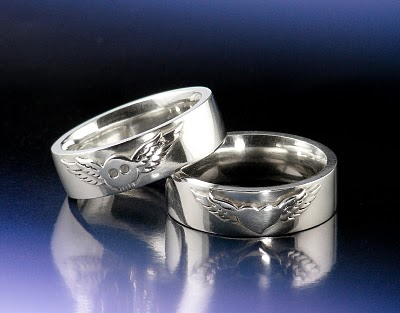 Silver winged heart rings