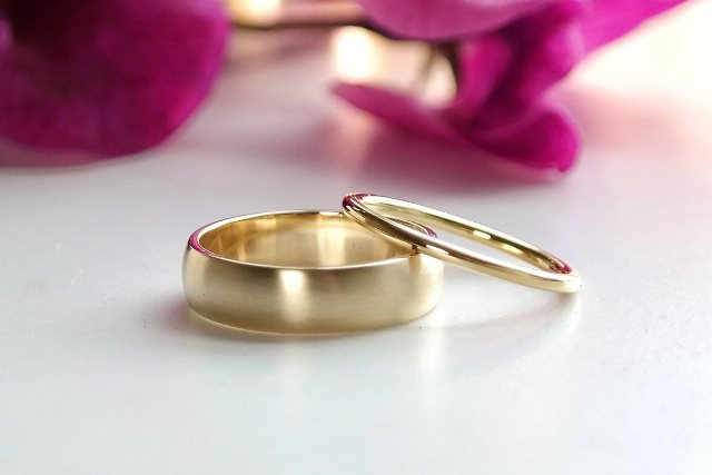 Eco ethical recycled gold wedding rings