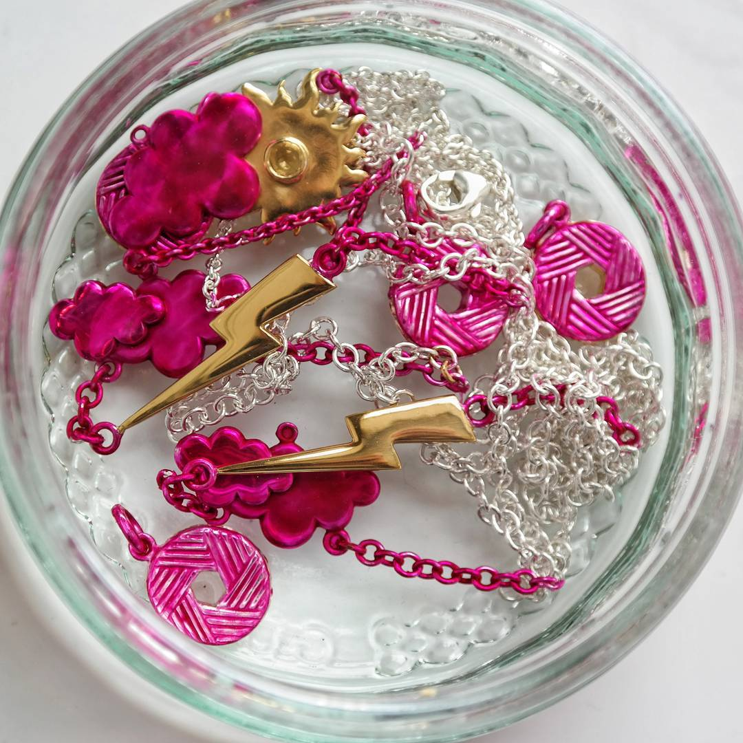 Jewellery stop out varnish for plating