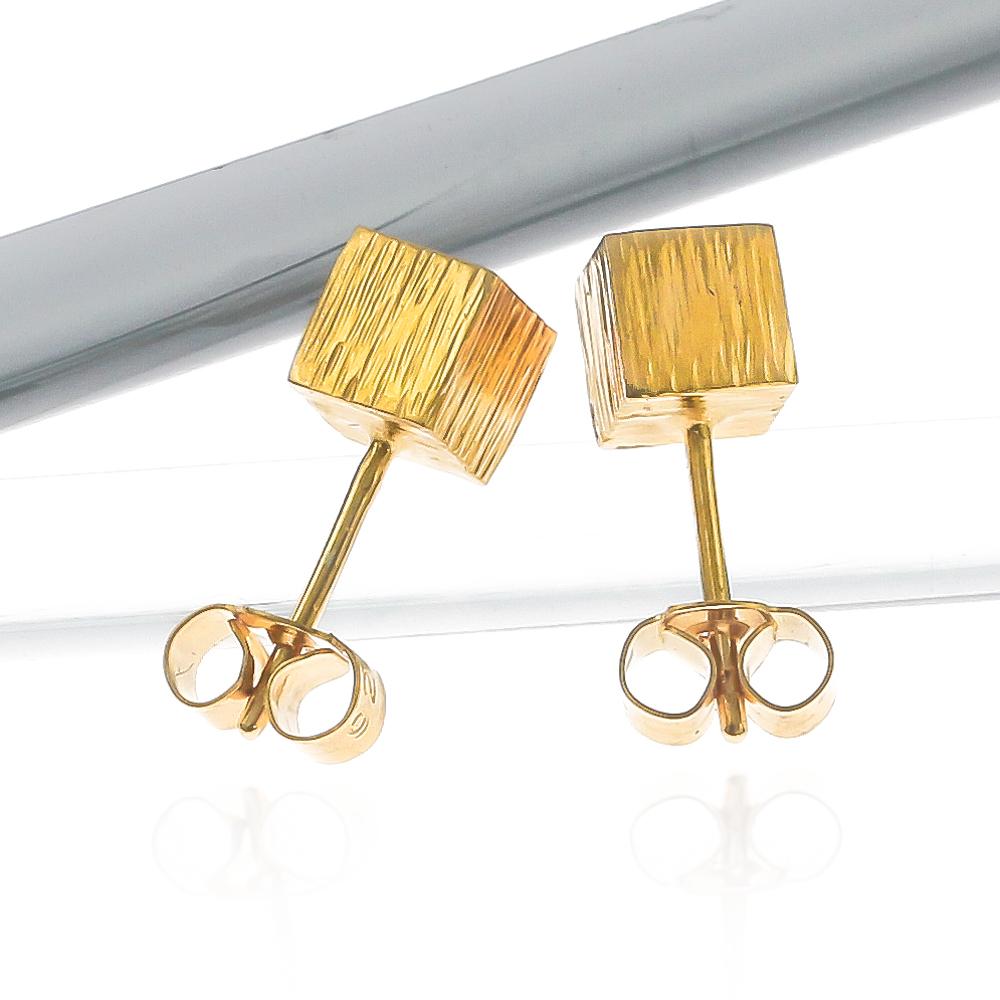 Gold vermeil eco-friendly cube earrings