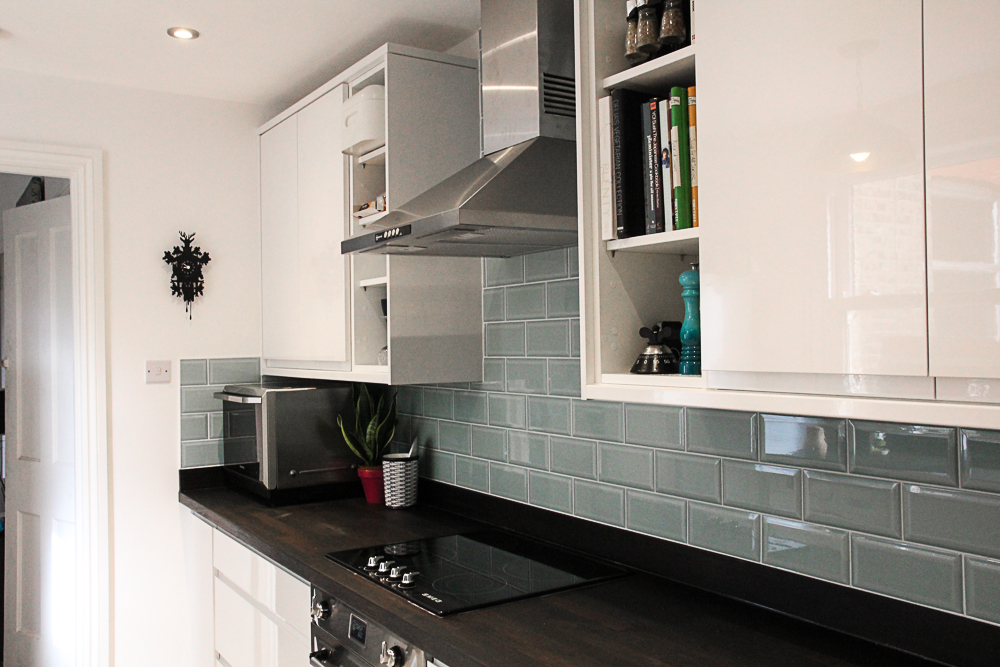 White-gloss-kitchen-duck-egg-blue-metro-tiles