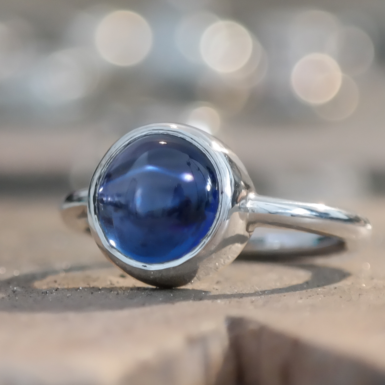 Silver-sapphire-cabochon-ring-3.JPG