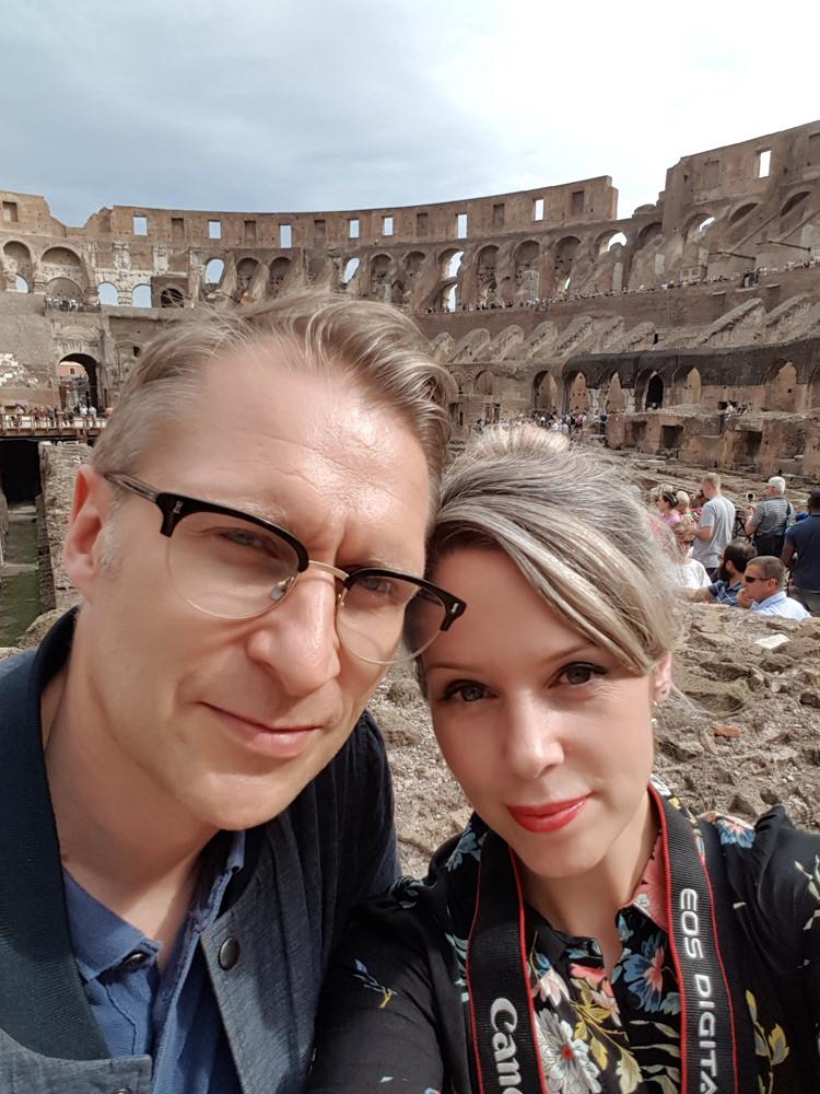 Lauren-and-Luke-at-the-Colosseum.JPG