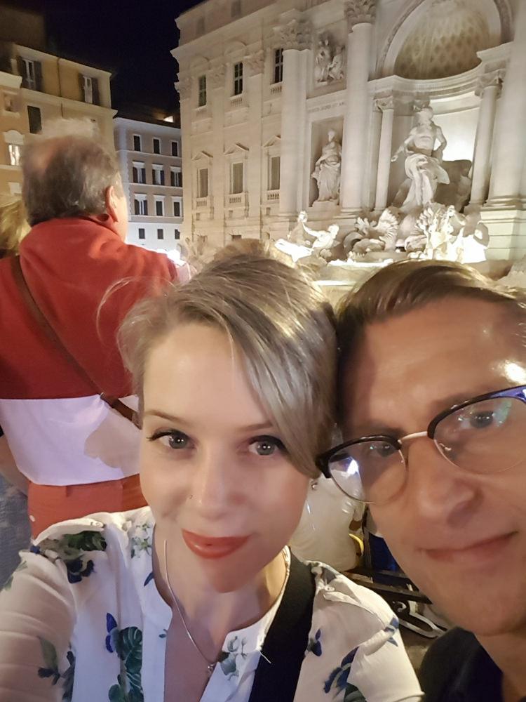 Lauren-and-Luke-Trevi-Fountain.JPG