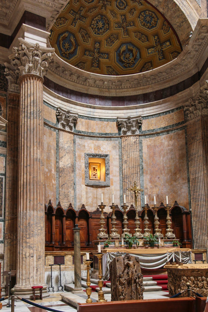 Pantheon-Rome-inside.JPG
