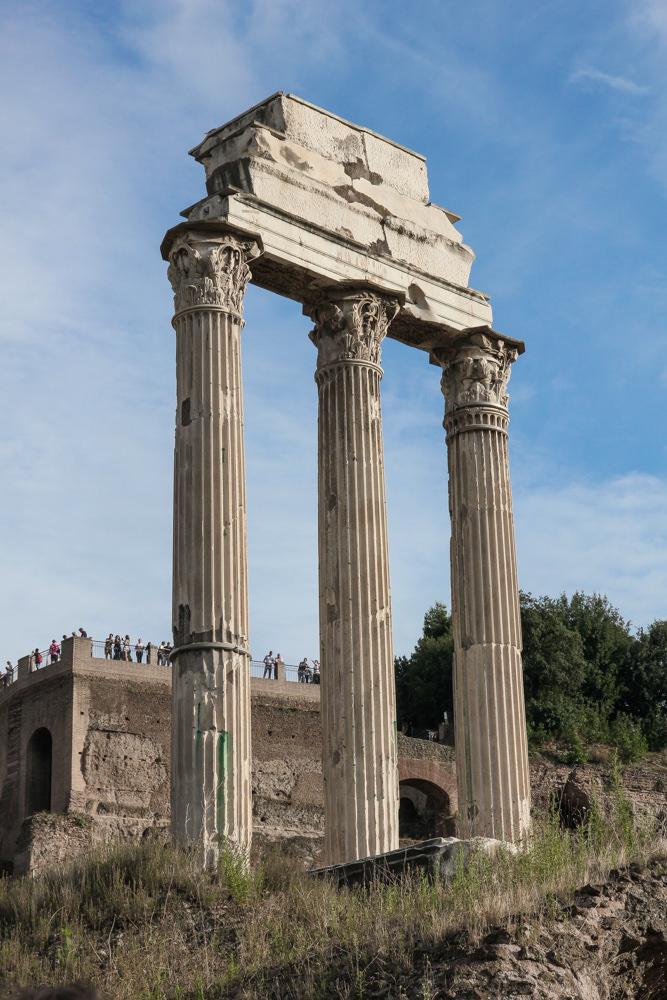 Forum-Rome-ruins.JPG