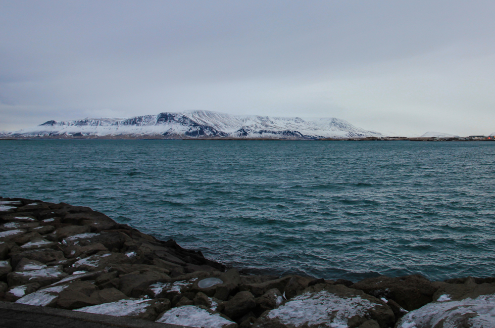 Iceland-moutain-view-from-harbour.jpg