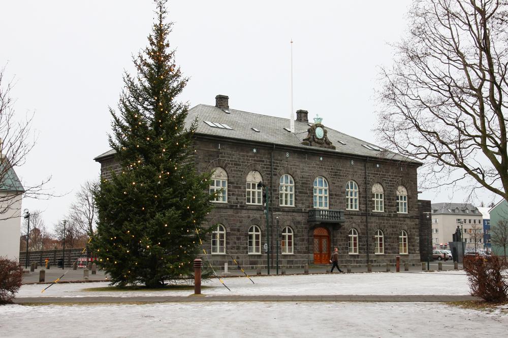Reykjavik-Parliament-House.jpg