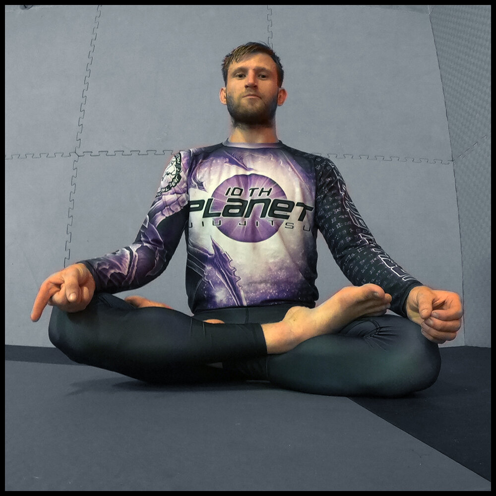 Espen Visnes - 10p Bergen Purple belt and competitor. Espen is an experienced martial artist. On top of his Jiu Jitsu, also an undefeated Semi Professional MMA fighter. All around solid technical practitioner. He sometimes runs (MTW) beginner session at 10pBergen.