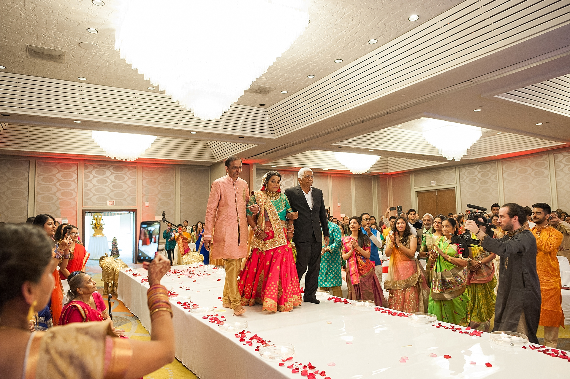 Prexa_Harry_Columbus_Crown_Plaza_Indian_Wedding0067.jpg